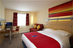 Express By Holiday Inn Cardiff Airport Image 1