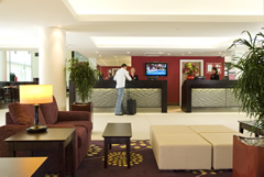 Courtyard Marriott with Meet and Greet Image 4
