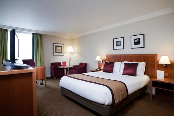 Crowne Plaza in Heathrow Image 3