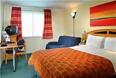 Holiday Inn Express East Midlands Airport Image 1