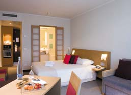 Novotel Newcastle Airport Image 2